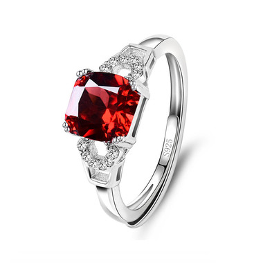 RED GARNET STERLING SILVER RING - CLASSIC