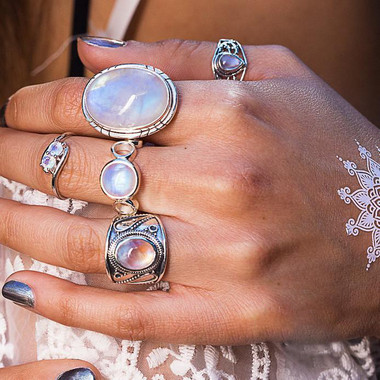 MOONSTONE RING - LOVE BOUND