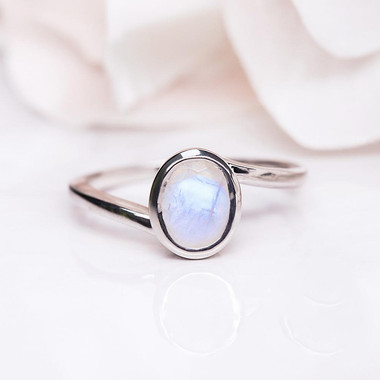 MOONSTONE RING - WHITE VISION