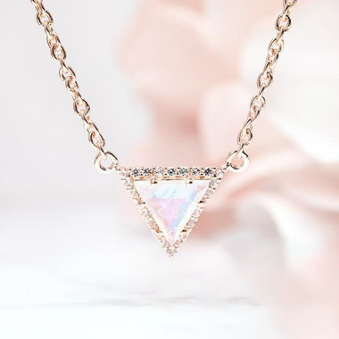 ROSE GOLD MOONSTONE NECKLACE - ICONIC DELTA