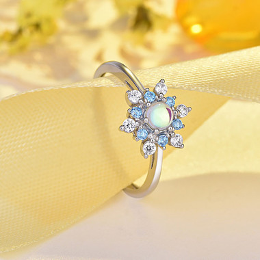 MOONSTONE RING - SNOW